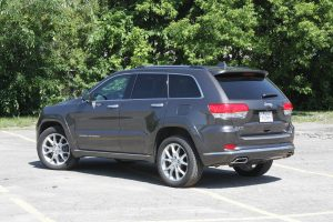 Jeep Grand Cherokee EcoDiesel rear view